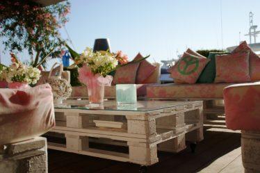 Le guide pour créer un salon de jardin avec des palettes
